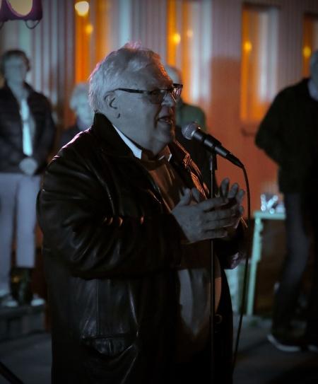 Runar Patriksson tackade alla som kommit till kyrkan och församlingshemmet, för att möta våren. Han tackade även alla som medverkat i arrangemanget.