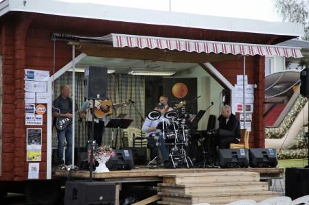 På eftermiddagen spelade Country Gospel Team med Stig Lindell.