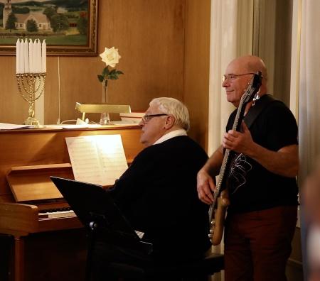 Runar Patriksson - piano och Ingvar Heed - bas.