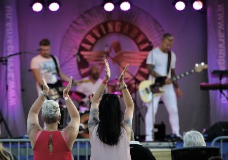 5 juli 2018 - Arvingarna spelade i samband med Töcksmarksveckan.