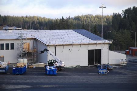 18 december 2019 - Solpaneler monteras på taket.