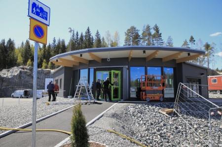 11 maj 2020 - KGH:s speditionsbyggnad vid nya tullstationen färdigställs.