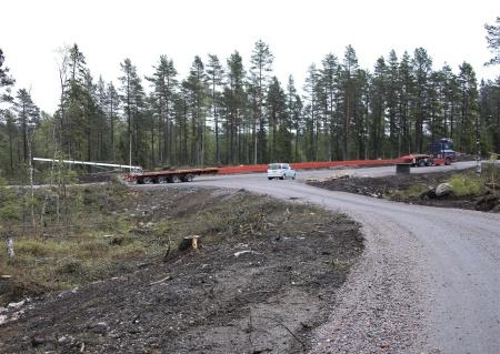 Lastbilsekipaget är 55 meter långt.