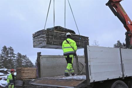 40. Fler gjutformar anlände från Tanum i Bohuslän, där det också byggs en vindkraftspark.