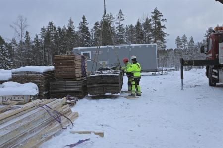 41. Fler gjutformar anlände från Tanum i Bohuslän, där det också byggs en vindkraftspark.