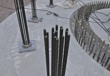67. Varje wirestag består av 15 st linor av högvärdigt stål.