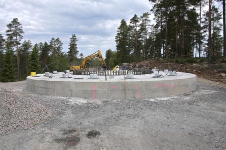 68. Efterinjekteringen med cement i borrhålen för wirestagen är klar.