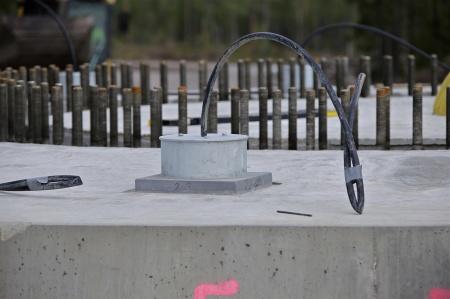 69. Efterinjekteringen med cement i borrhålen för wirestagen är klar.