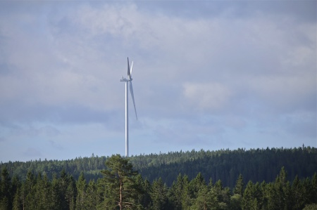17 juli 2014 - första vindkraftverket på Mölnerudshöjden.