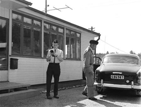 Tulltjänstemännen Bergdahl och Lindström, foto okänd.