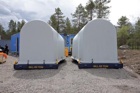 26 juni 2014 - två satser med växellåda, axel och fästplatta för rotornav anlände under dagen.