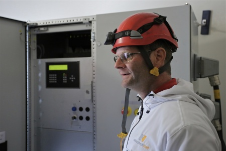Frank Mattsson från Rabbalshede Kraft informerade om vindkraftverkets funktion.