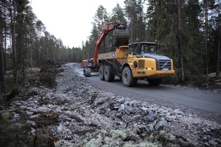 17 december 2013 - grävning av dike för kabelrör.