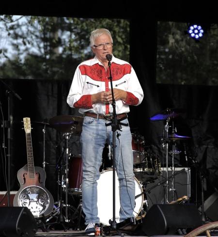 """Ingmar """" Lill Ingmars """" Nilsson var kvällens konferencier."""