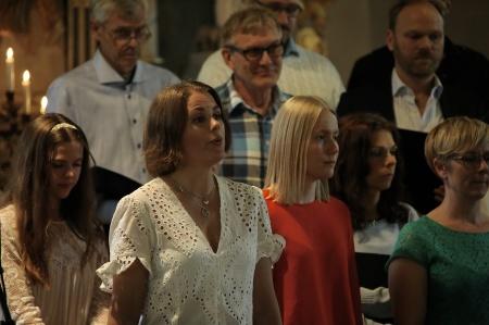 Ulrika Lindkvist sjöng Värmlandsvisan tillsammans med kören.