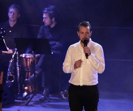 """Johannes Axelsson sjöng John Lennons """"Imagine""""."""