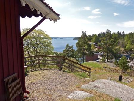 Utsikt över sjön Lelång från stugan på berget.