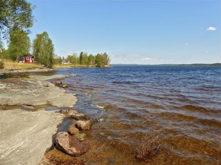 Nordlig riktning från Lennartsfors finns sjöarna Stora Le och Foxen.