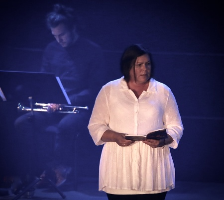 "Cecilia Näslund framförde Astrid Lindgrens text ur boken ""Vore jag Gud""."