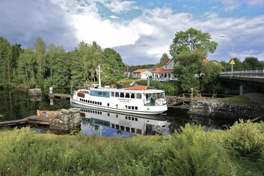 Bild från 2015 då M/S Storholmen var en del av jubileumsprogrammet när Kanalen Stora Lee - Östen fyllde 100 år.