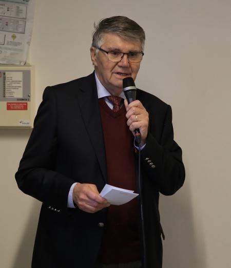 Kjell Ericsson berättade om den nya framtids-satsningen i Västra Fågelvik.