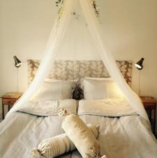 Bröllopsnatt i vår romantisk brudsvit