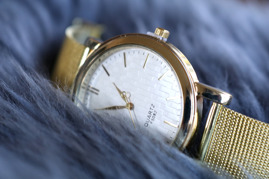 Klocka - Classic gold