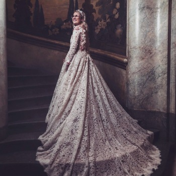 Weddingdress : Frida Jonsvens - Movie - Catwalk
