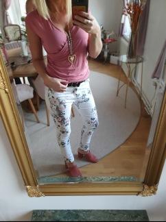 Vita jeans med blommor - XS