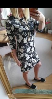 Klänning med blommor - XS
