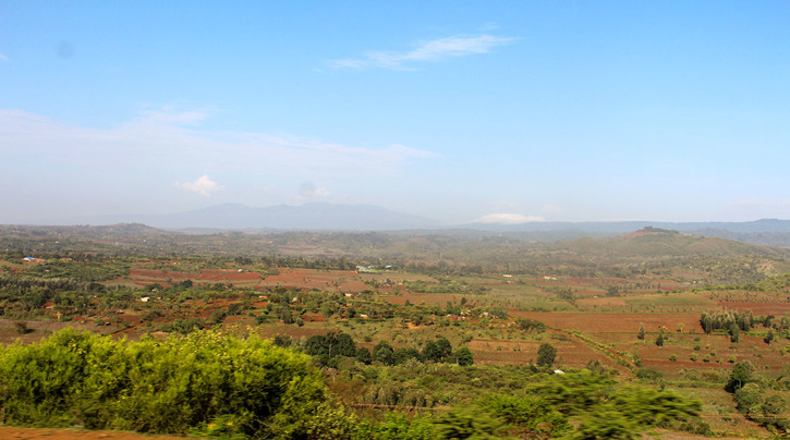 Vägen mellan Lake Manyara och Ngorongoro