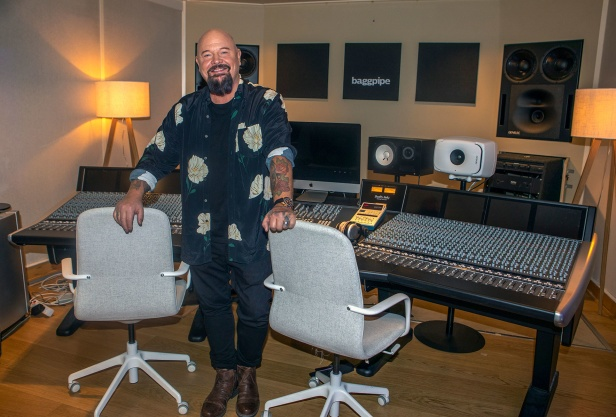 Anders Bagge i Baggpipe Studios