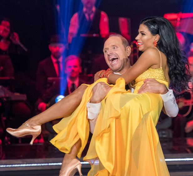 Thomas Ravelli dansar med Jasmine Tacács i Let´s Dance, delfinal 4