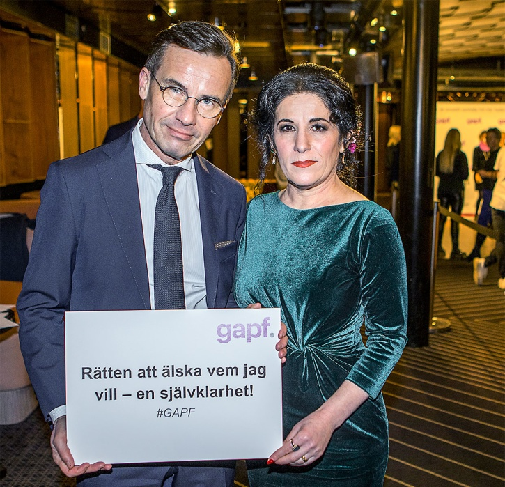 Moderatledaren Ulf Kristersson och Sara Mohammad, grundare av GAPF