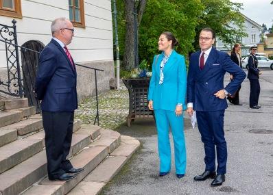 Landshövding Per Bill, kronprincessan Victoria och Prins Daniel