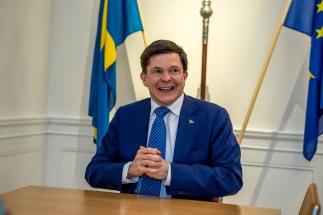 Talman Andreas Norlén på sitt rum i Riksdagshuset