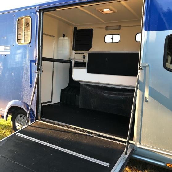 Lastbilen är ren och fin och klar för en resa till Laholm och Lag SM
