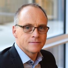 Nätverksledare - Georg Frick HR-nätverket Stockholm Specialist på praktisk arbetsrätt, författare och arbetsgivarkonsult. Georg är flitigt anlitad som rådgivare och föreläsare
