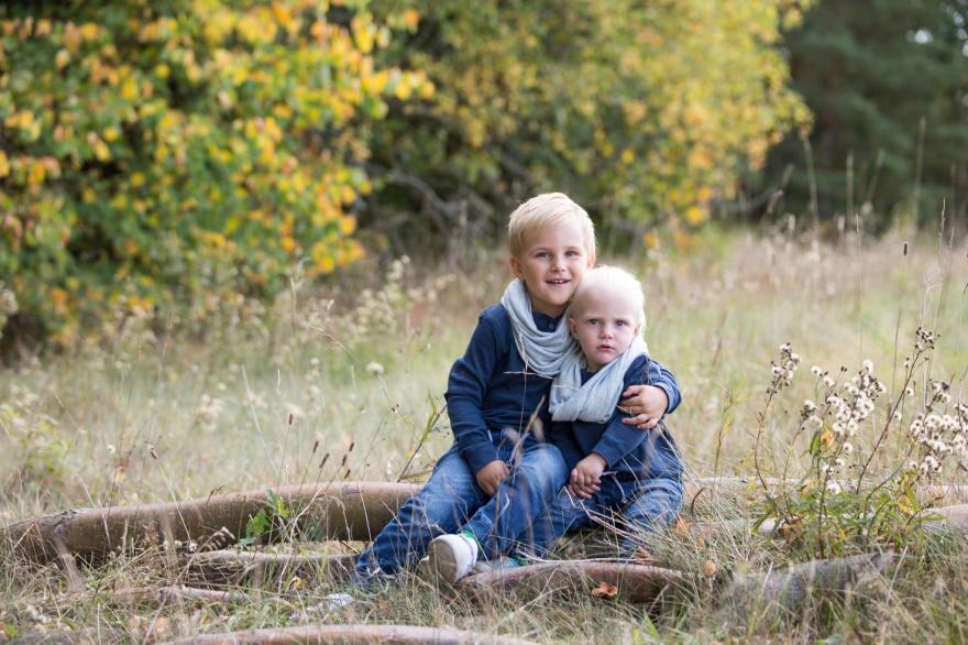 Syskonfotografering av bröder i Halland
