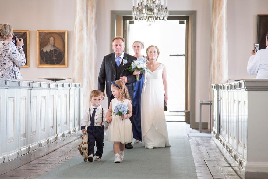 Bröllopsfotograf Knäred och ängelholm. Bröllopsfotograf som fotograferar bröllop i markaryd