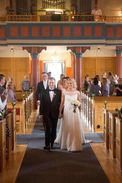 Bröllop i ränneslövs kyrka - gift dig i ränneslövskyrka och anliga fotogra emy