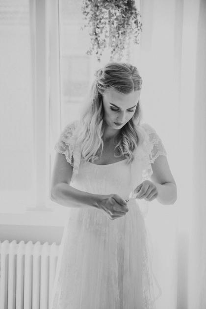 Bröllopsfotograf halmstad, fotograf emy fotograferar bröllopsbilder på ditt bröllop i Halmstad