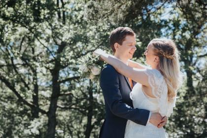 Fotograf som fotograferar bröllop - bröllopsfotograf som fotograferar bröllop i halmstad