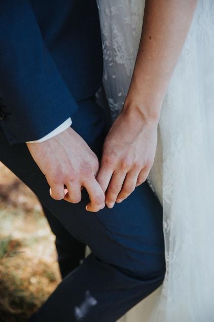 Bra brällopsfotograf i från halmstad som fotograferar ditt bröllop i halmstad