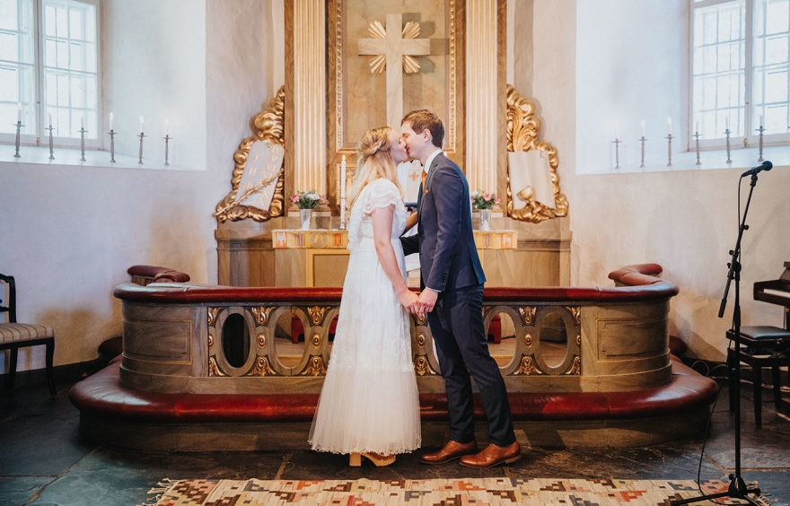 bröllopsfotograf halsmtad - fotograf emy fotograferar bröllop i halmstad