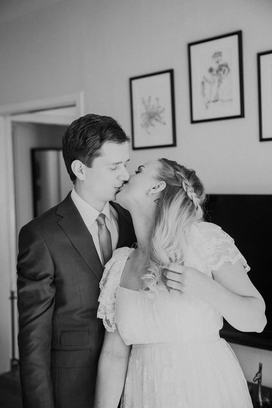 Bröllopsfotograf som fotograferar ditt halmstad bröllop