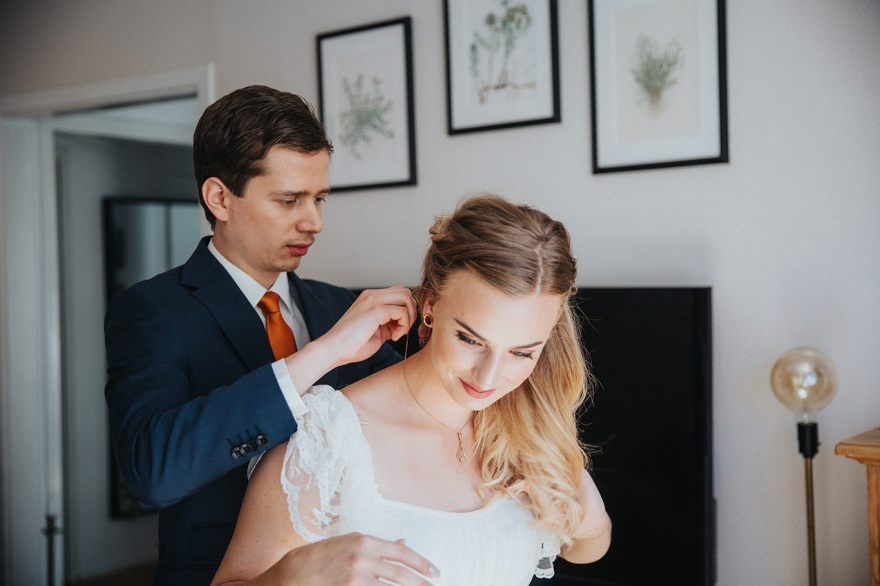 Emy fotograferar ditt bröllop i hlamstad- fotograf emy
