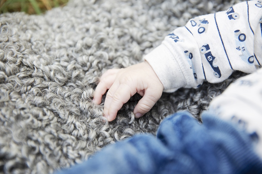 Barnfotografen Fotograf Emy ifrån Markaryd fotograferar barnfoto på dina Barn i Markaryd
