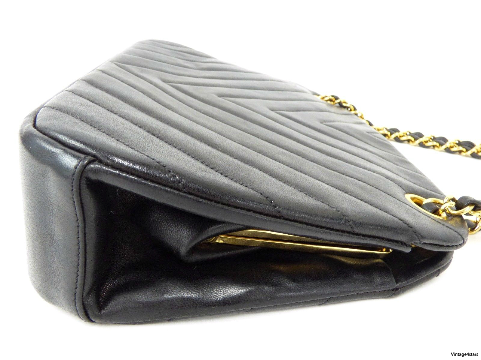 Chanel Shoulder Bag Chevron 10