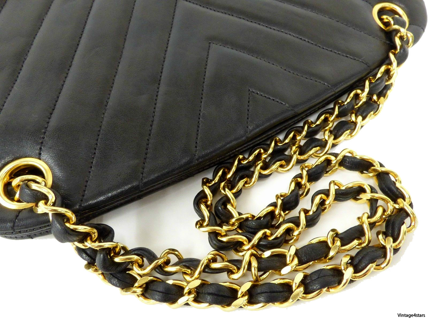 Chanel Shoulder Bag Chevron 4